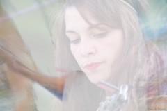 Alcaline (Loran de Cevinne) Tags: pentax people personnage portrait flou flouartistique blur visage regard expression cheveux chevelure romantique romantic elle she lorandecevinne