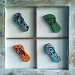Só no chinelinho...   #decoração #decorar #artesanal #artesanatomineiro #artesanal #artesanatodemadeira #chinelo #artemineira #minasgerais #chinelo #sandália (fabriciabarcelos) Tags: minasgerais artesanal decoração sandália chinelo decorar artemineira artesanatomineiro artesanatodemadeira