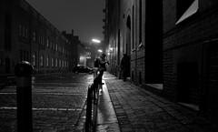 Fr Ron (art-light-project by Steven R.) Tags: street photography steve streetphotography streetlife architektur fujifilm steven stations streetphotos gasse brgersteig einfarbig xe1 stevenr strasenfotografie xf1855mmf284 artlightproject