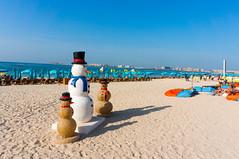 Snowman in Dubai (a-thomas) Tags: travel summer sun travelling nature colors beautiful skyline garden harbor crazy reisen dubai arabia traveling ua vae arabien