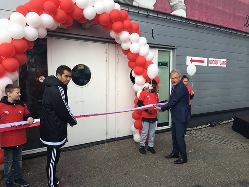 100mm Rood Wit openingslint met Zwart bedrukt Opening Feyenoord Campus