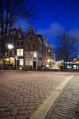 Amsterdam (Yann OG) Tags: street longexposure bridge amsterdam nightshot pont bluehour rue paysbas hollande poselongue heurebleue
