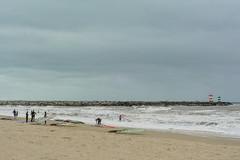Scheveningen (YYNTL) Tags: sea holland water dutch strand scheveningen nederland wave zee surfboard windsurfing wetsuit schuim zand windsurfers golven kiter havenhoofd hollandslicht hollandseluchten kiters neilpryde donkerekamer