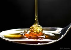 foto 104 (patrivivesm) Tags: food texture textura 35mm nikon interior alimento indoors honey miel 365 liquid liquido fondonegro 365project nikonist nikonista proyecto365 liquidtexture