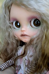 Artemis Traveling (Chassy Cat) Tags: alpaca skinny blythe custom artemis shimmer customize scalp chassycat dollywardrobe
