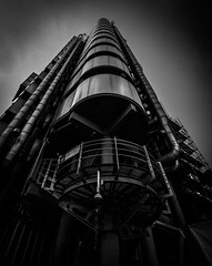 Industrial Finance (Mr.MinuteMan) Tags: london thecity lloydsoflondon zeisslens 1limestreet zeisstouit12mm sonya6300