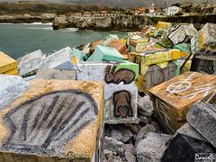Puerto de Llanes - Llanes harbour (danielfi) Tags: costa puerto coast harbour ngc asturias llanes ibarrola memoria asturies cubos