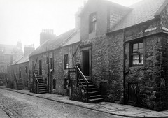 Cross Row (Dundee City Archives) Tags: street old building stone photos dundee steps cobbled slums 1918 victorianhousing crossrow victoriantenements olddundeephotos smallswynd parkwynd