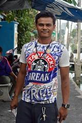 young man with his special shirt (the foreign photographer - ) Tags: man shirt portraits thailand nikon bangkok young special starbucks bang bua khlong bangkhen d3200 apr162016nikon