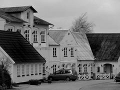 (Landanna) Tags: bw white black architecture denmark zwart wit dnemark danmark sort als hvid denemarken zw snderjylland guderup zuidjutland festkronymlle