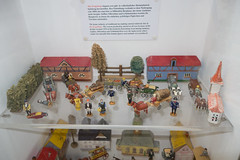 Antique toy farm scene (quinet) Tags: germany munich toy deutschland antique allemagne spielzeug toymuseum jouet ancien antik spielzeugmuseum musedujouet 2013