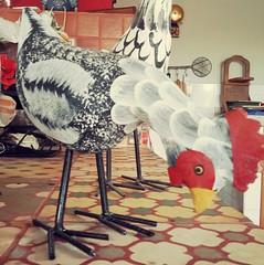 Galinha.  #artesanato #artesanatomineiro #decorao #galinhas #galinha #decoracao #artesanatoemmadeira #foradesrie #foradeserie (fabriciabarcelos) Tags: galinha artesanato decorao decoracao galinhas artesanatoemmadeira artesanatomineiro foradesrie foradeserie