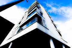 Star Wars (Alessandro Pietromartire) Tags: travel blue brussels sky urban white building travelling window architecture contrast corner canon photography lights photo europa europe shadows belgium contemporary edificio perspective bruxelles structure lookup pointofview architect streetphoto architettura northeurope urbanlandscape streetshot contemporaneo urbanlife contrasto 1635mm travelphoto goingaround pointperspective 5dmarkii archilovers