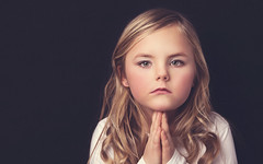 Pray (Le Pitch Photo) Tags: portrait girl canon studio child emo lastolite elinchrom