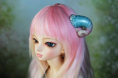 horns with pearls (Sparrow ♪) Tags: pink blue beads horns pearls bjd custom beading abjd luka minifee sparrowsshop