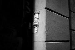 untitled (mrui90) Tags: barcelona door blackandwhite spain bell