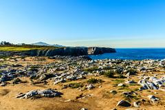 Mirando al Mar (GuillerML) Tags: espaa costa landscapes mar spain agua nikon asturias paisaje explore nikkor turismo llanes acantilado pria waterscapes ocano cantabrico explorar 18140 d3200 nikonflickraward guillerml