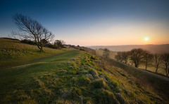 Cissbury Sundown (Richard Paterson) Tags: park blue sunset sky downs landscape ancient angle fort hill wide ring national tress cissbury souyh