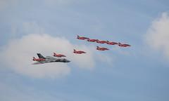 Avro Vulcan & Red Arrows (Boushh_TFA) Tags: red england tattoo nikon force hawk air royal systems international arrows b2 vulcan nikkor bae f28 raf avro ffd fairford 70200mm riat 2015 d600 t1a vrii egva