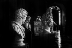 Bustos Greco-Romanos... (Serie Estatuas del Louvre) Explored 25/04/2016 (protsalke) Tags: blackandwhite paris art museum contrast lights shadows louvre monochromatic series drama iconic romanart greekart estatues
