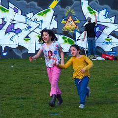 Premier dimanche de printemps (_ Adle _) Tags: streetart belgique couleurs bruxelles enfants parc printemps dimanche murs tourtaxis grafeur laviereprendsesdroits
