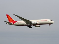 "Air India                                   Boeing 787 ""Dreamliner""                                 VT-ANE (Flame1958) Tags: travel vacation holiday flying heathrow flight boeing lhr heathrowairport airindia 2016 0416 londonheathrow egll londonheathrowairport boeing787 boeingdreamliner 210416 vtane airindiadreamliner airindiab787"