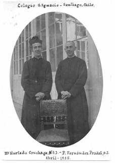 10. Con el birrete del Padre Fernández Pradel