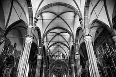 Duomo, Verona (petia.balabanova) Tags: travel blackandwhite italy church monochrome architecture monocromo italia details chiesa verona duomo traveling architettura biancoenero 2470mm nikond800