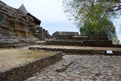 Zona Arqueolgica en Malinalco (adrianperezj) Tags: mexico pyramid pueblo zona malinalco magico arqueologica