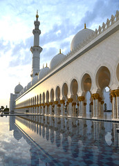 Afternoon Glow (Colin McLurg) Tags: reflection water architecture golden minaret uae middleeast abudhabi isalmic sheikhzayedmosque colinmclurg mnosque