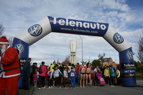 "Carrera popular y premios San Silvestre 2015 La Virgen del Camino • <a style=""font-size:0.8em;"" href=""http://www.flickr.com/photos/66442093@N08/23941587261/"" target=""_blank"">View on Flickr</a>"