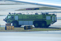 Atlanta Fire and Rescue 8 (NTG's pictures) Tags: atlanta usa fan airport international oshkosh striker arff hartsfieldjackson