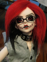 IMG_3651 (teh kiwi) Tags: red black scary bjd stiches dollzone