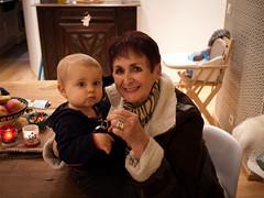Avec Mamie (Dahrth) Tags: baby grandmother bb grandmre gf1 panasoniclumixgf1 lumix20mm 20mmpancake gf120