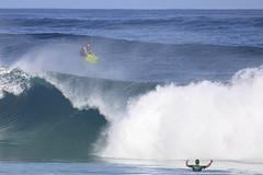 Maestro (RicoLeffanta) Tags: ocean man male men up sport warning hawaii high surf arms oahu air north wave aerial rico shore incoming midair swell pipeline banzai boogieboard conducting ehukai aloft boogieboarder leffanta