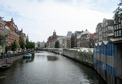 Bloemgracht, where the blooms are sold (Hana Videen) Tags: netherlands amsterdam canal noordholland bloemgracht