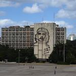 "Che- Plaza de la Revolucion <a style=""margin-left:10px; font-size:0.8em;"" href=""http://www.flickr.com/photos/14315427@N00/24985355572/"" target=""_blank"">@flickr</a>"