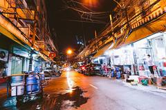 Bangkok Streets (Sergej Omeltschenko) Tags: travel bar canon thailand reisen asia bangkok nightshoot watarun 6d skybar bestshot statetower sirocco bestphoto travelnerd travelphotographie travelthailand baiyoketower traveladdict reisefieber