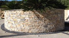 pierre-murale-exterieur-calind