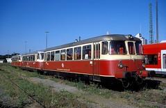 VT 5  Tbingen  24.03.99 (w. + h. brutzer) Tags: analog train germany deutschland nikon eisenbahn railway zug trains locomotive vt tbingen lokomotive hzl eisenbahnen webru dieseitriebwagen