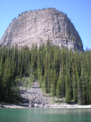 The Beehive (robertbr1) Tags: lakelouise banffnationalpark