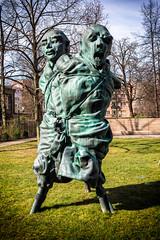 Bettina Berggruen Garten (Fliwatuet) Tags: sculpture berlin art germany de deutschland kunst skulptur panasonic ostern charlottenburg m43 mft em5 charlottenburgwilmersdorf 20mm17 olympusomd