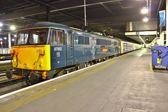 Caledonian Sleeper 87002 - London Euston (South West Transport News) Tags: london euston sleeper caledonian 87002