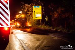Tödlicher Unfall B54 23.04.16 (Wiesbaden112.de) Tags: deutschland wiesbaden hessen vu 54 feuerwehr polizei baum deu sst unfall abschleppdienst böschung b54 tödlich verkehrsunfall bergung vku wiesbaden112 berlinerstrase bundesstrase alleinunfall pietät sebastianstenzelfotografie