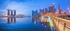 Singapura Skyline (Ram Suson Photography) Tags: skyline sunrise singapore jubilee jubileebridge centralbusinessdistrict marinabay singaporeskyline marinabaysands singaporecentralbusinessdistrict