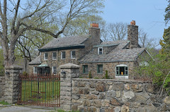 Small Mansion (rchrdcnnnghm) Tags: house estate mansion ossiningny westchestercountyny oncewashome
