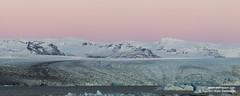 shs_n8_067287 pan (Stefnisson) Tags: panorama ice berg landscape iceland belt venus glacier iceberg gletscher glaciar sland icebergs jokulsarlon breen vatnajokull pana jkulsrln ghiacciaio jaki girdle vatnajkull jkull jakar s gletsjer ln venuss  glacir sjaki venuses esjufjll sjakar panrama stefnisson esjufjoll
