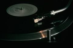 Run LP (CharlosChili) Tags: light blackandwhite music canon grey licht spiegel grau technik minimal lp schwarzweiss reflexion spiegelung minimalistic plattenspieler silber funkeln bewegeung