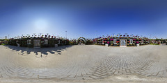 Dubai Miracle Garden @ 360 (jeglikerikkefisk) Tags: panorama sun dubai pano uae sonne garten sphericalpanorama vae miraclegarden equirectangular kugelpanorama sphrischespanorama dubaimiraclegarden pflanzenanlage pflanzeninderwste
