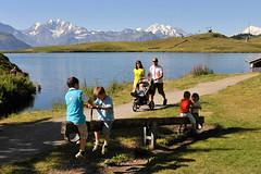 Familien-Kinderwagen-Bettmersee-Aletsch-Arena-cp (aletscharena) Tags: schweiz wallis familien unescowelterbe naturpur familienurlaub bettmersee aletscharena familienwillkommen